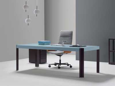 office-desk-quinti-roger-leder.jpg