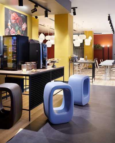 Slide-design-stool-lazy-bones-KMP.jpg